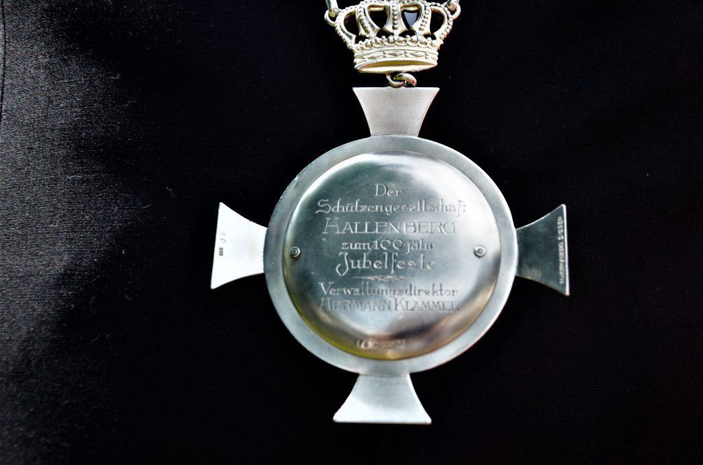 Eine Kette, eine Krone und ein Versprechen - region, region-wi-me-ha, hallenberg