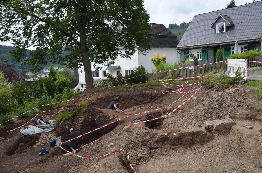 Weitere spannende Funde bei Burgplatz-Ausgrabungen in Hallenberg - region, region-wi-me-ha, hallenberg